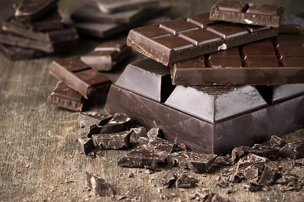 شکلات تلخ تخته ای