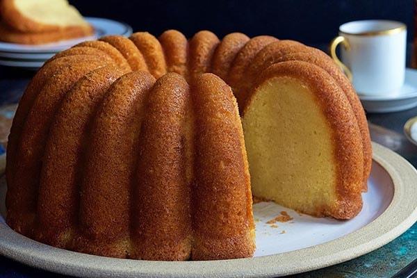 علت خمیر شدن کیک چیست و با کیک خمیر شده چه کنیم