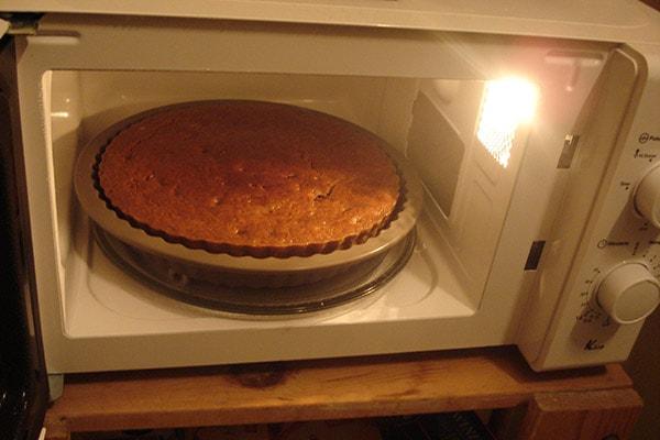 پخت کیک در ماکروفر