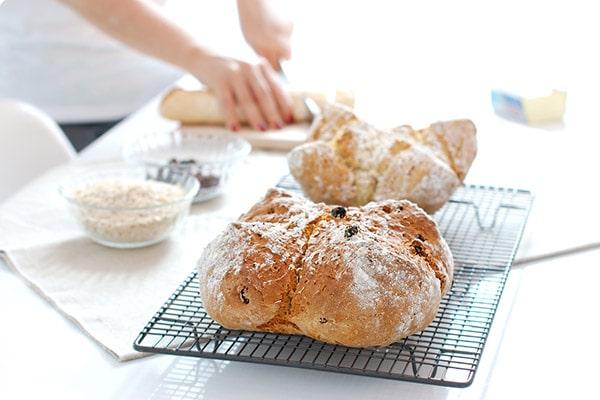 پف کردن نان با جوش شیرین