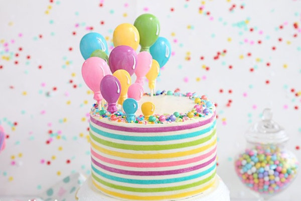 کیک تولد بادکنکی