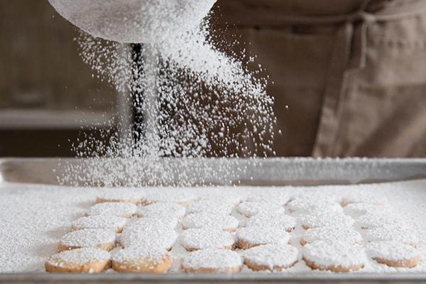 استفاده از پودر قند برای تزیین