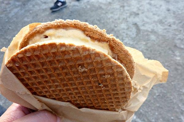 نان بستنی حصیری