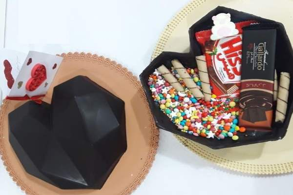 شکلات قلب سورپرایز